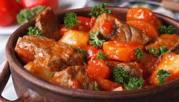 Alléchant mijoté de bœuf aux carottes sauce tomate