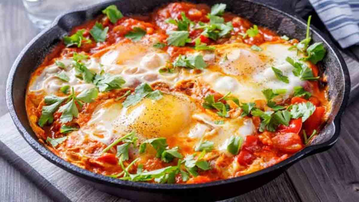 Authentique plat de tomates aux œufs