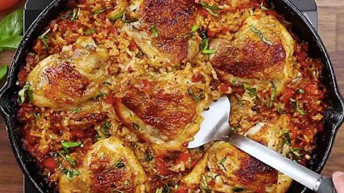 Casserole de poulet et riz à la tomate