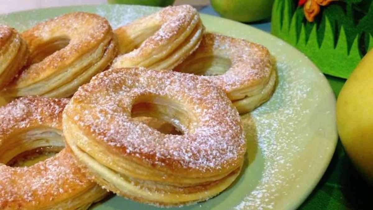 Doux donuts aux pommes