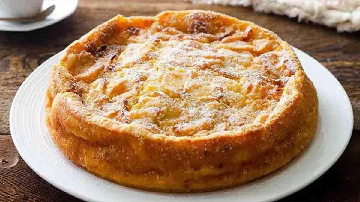 Doux gâteau aux pommes très appétissant