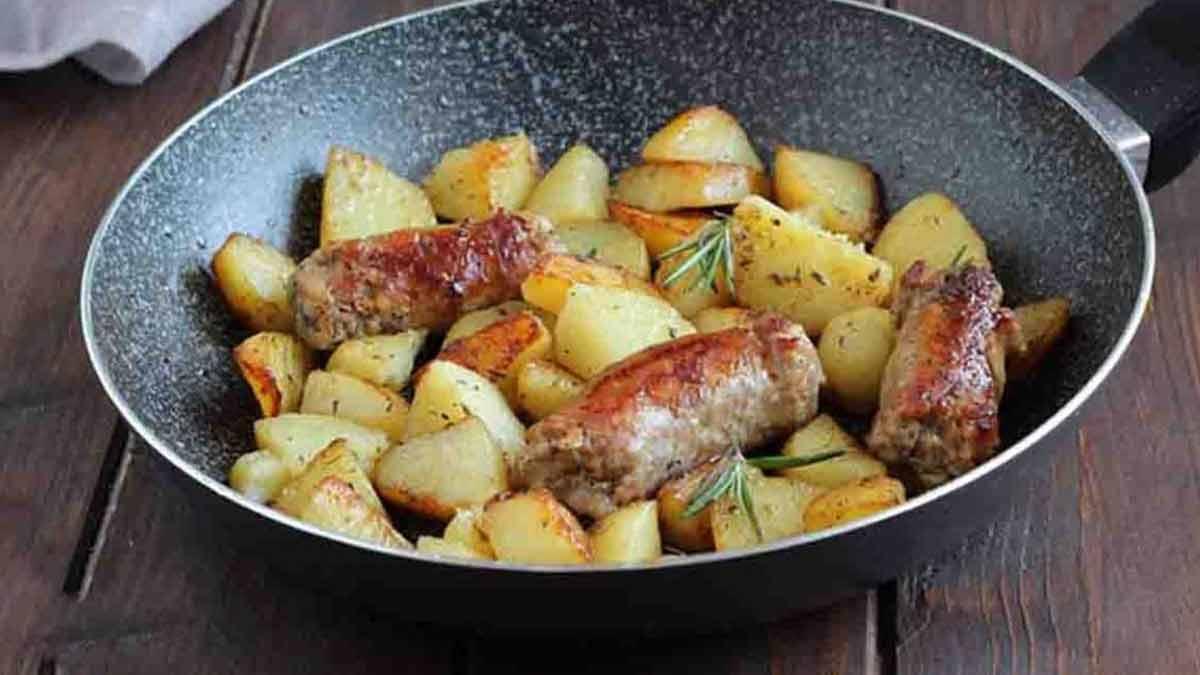 Saucisses et pommes de terre à la bière
