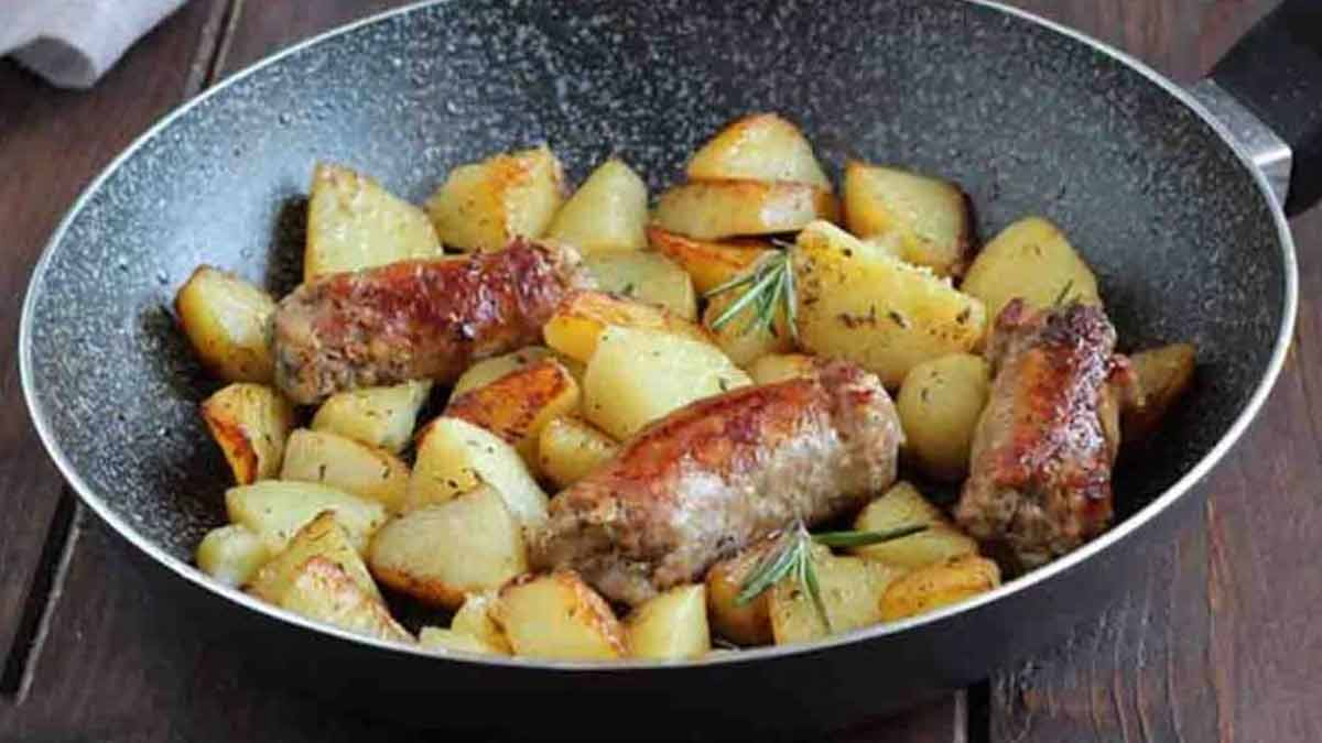 Succulentes saucisses et pommes de terre à la bière