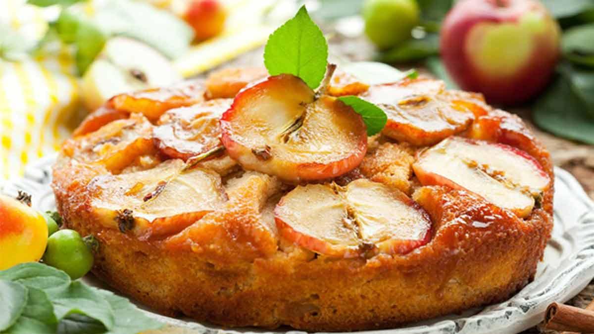 gâteau doré aux pommes