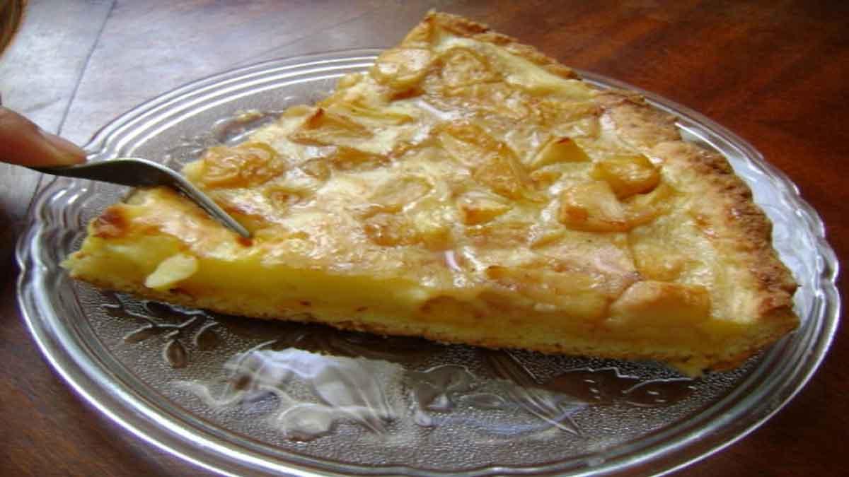 Douce tarte aux pommes à la crème pâtissière