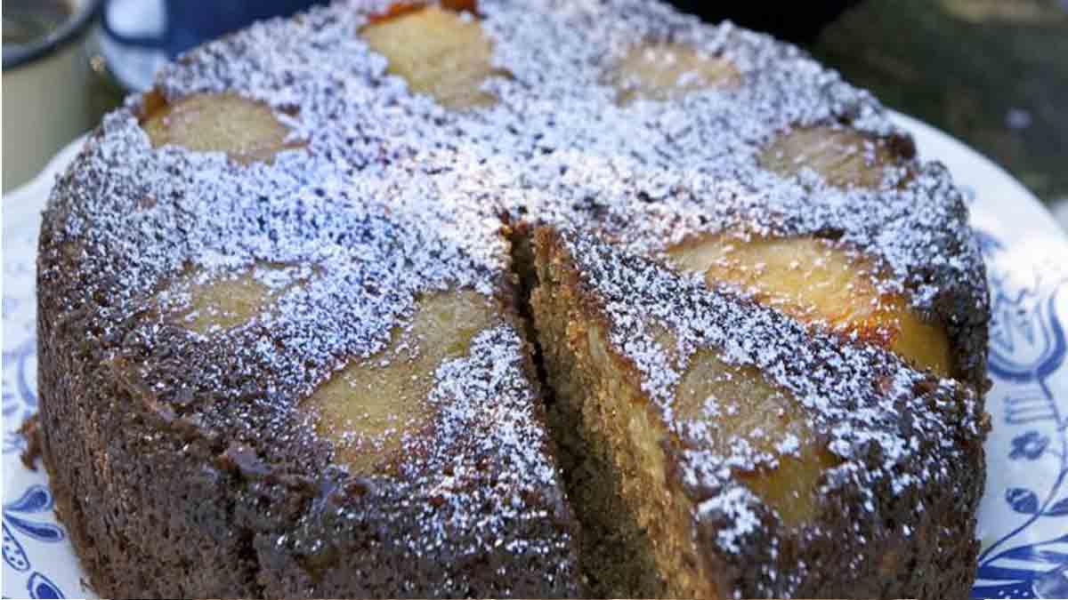 Doux gâteau au yaourt et poires