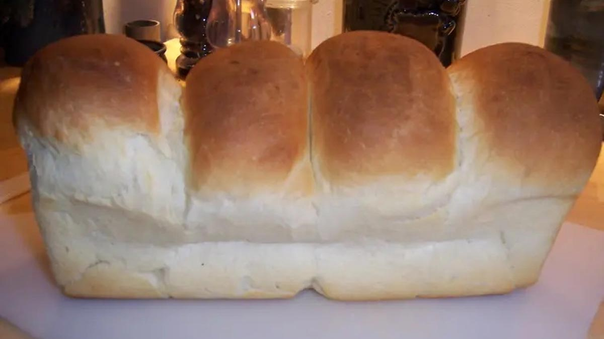 Doux pain de mie simplissime avec une machine à pain