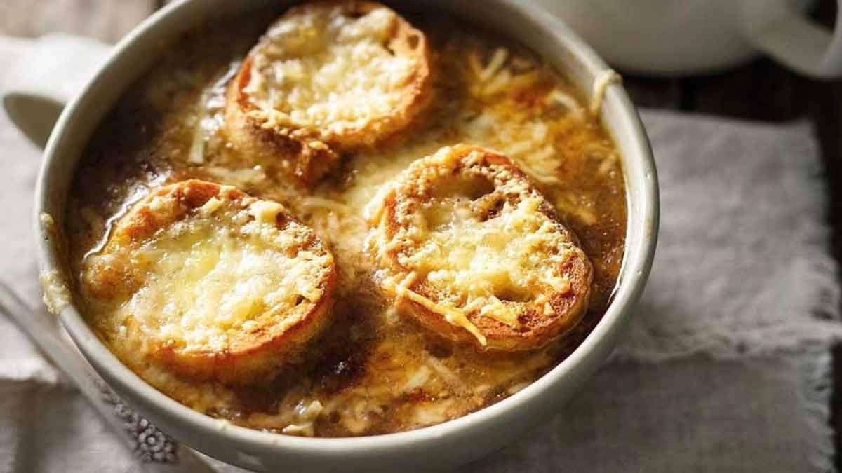 Irrésistible soupe gourmande oignon au fromage gratiné
