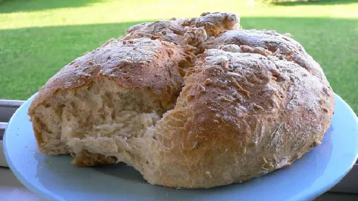 délicieux pain au yaourt à la fois doux et croustillant