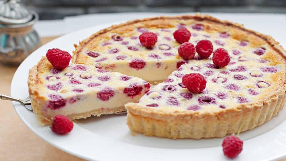 Belle tarte chocolat blanc et framboises classique