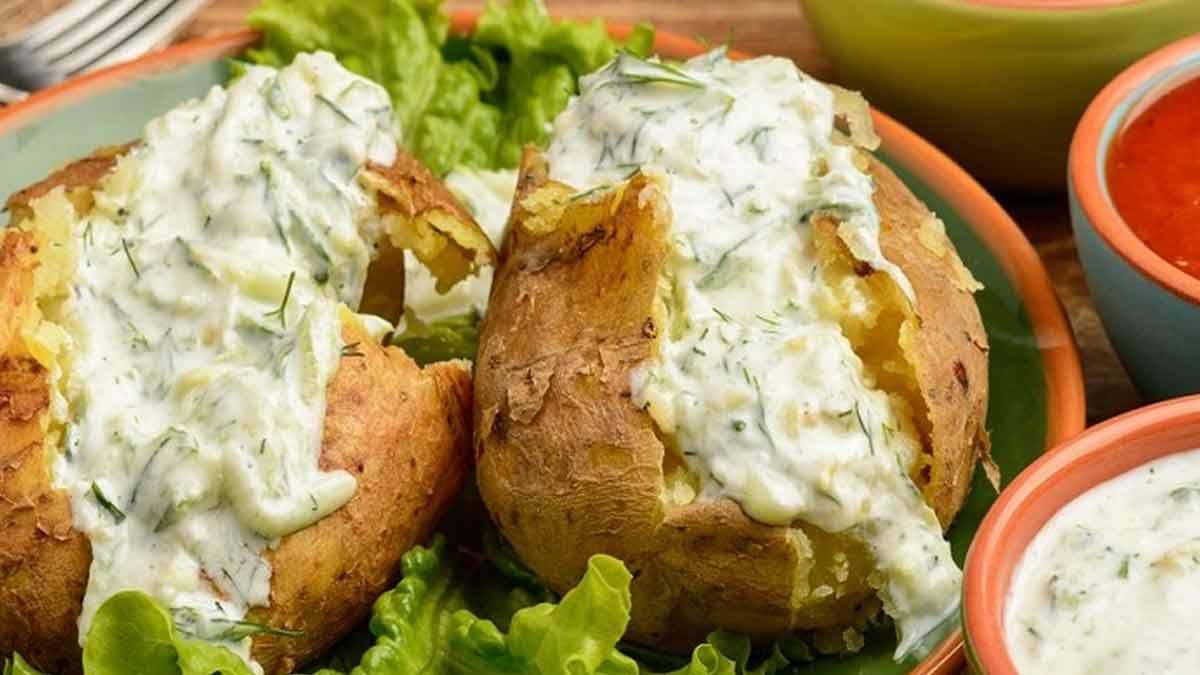 Délicieuses pommes de terre farcies à la crème ciboulette