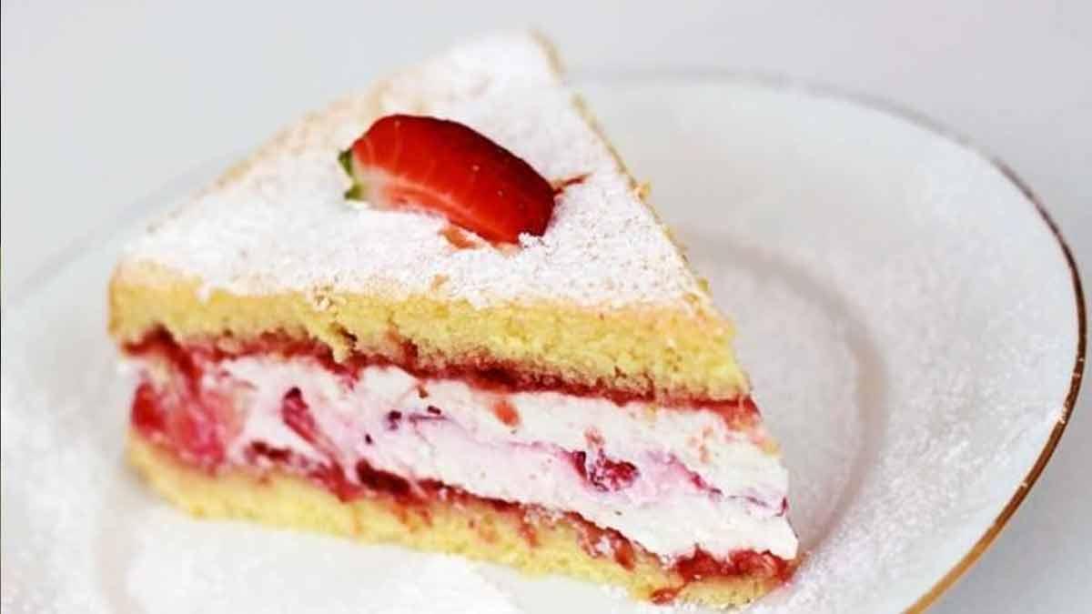 Douce génoise aux fraises sans levure