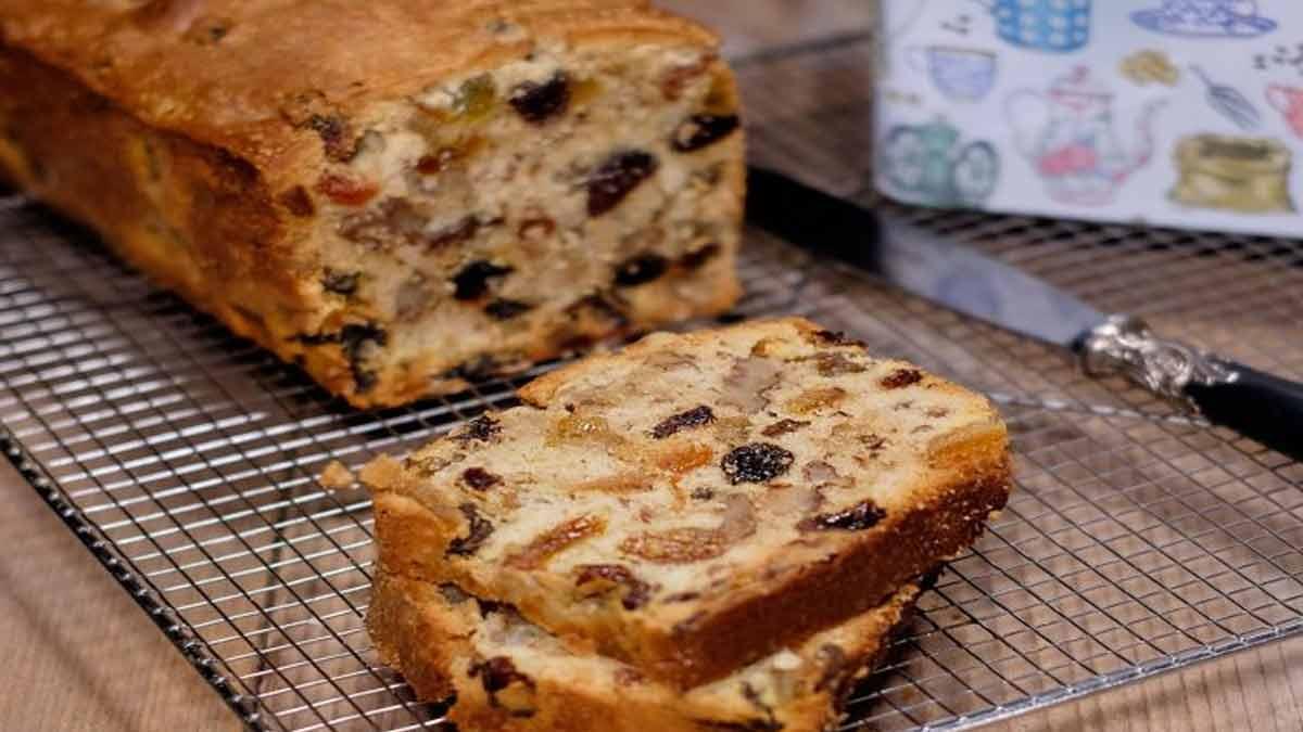 Doux cake aux raisins secs et orange confite