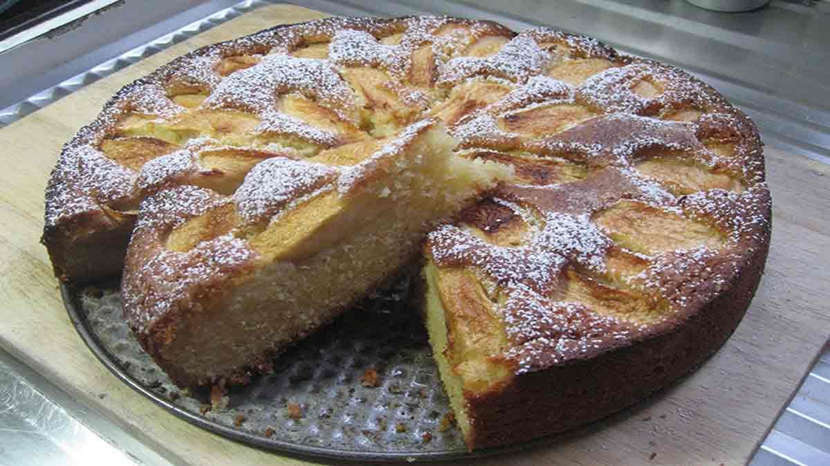 Alléchant gâteau classique aux pommes