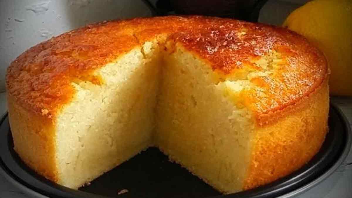 Gâteau au lait et à la semoule à la vanille