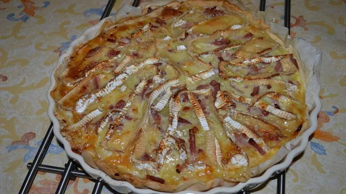 Splendide tarte au camembert et aux lardons