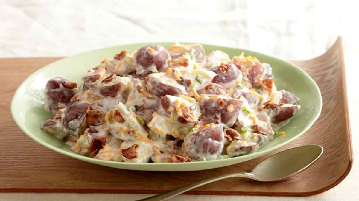 salade de pommes de terre au cheddar et au bacon