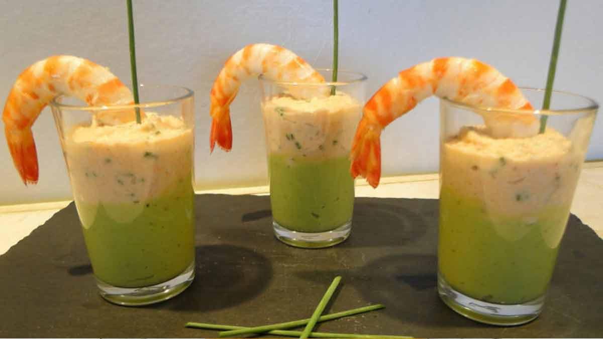 verrines de mousse tropicale aux avocats et crème de crevettes