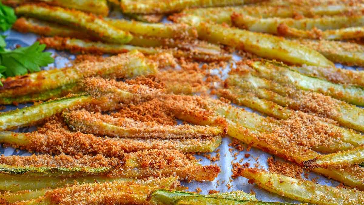 Bâtonnets de courgettes et de pommes de terre gratinées