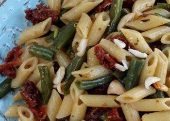 Pâtes aux haricots verts et tomates séchées