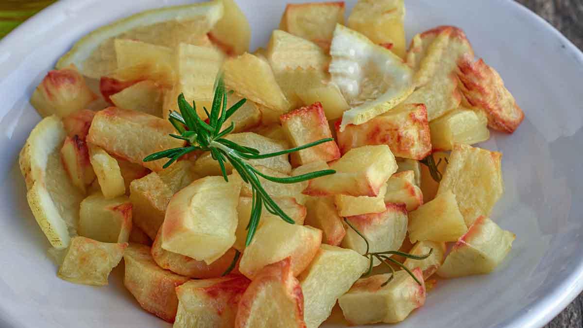 Pommes de terre au citron cuites au four