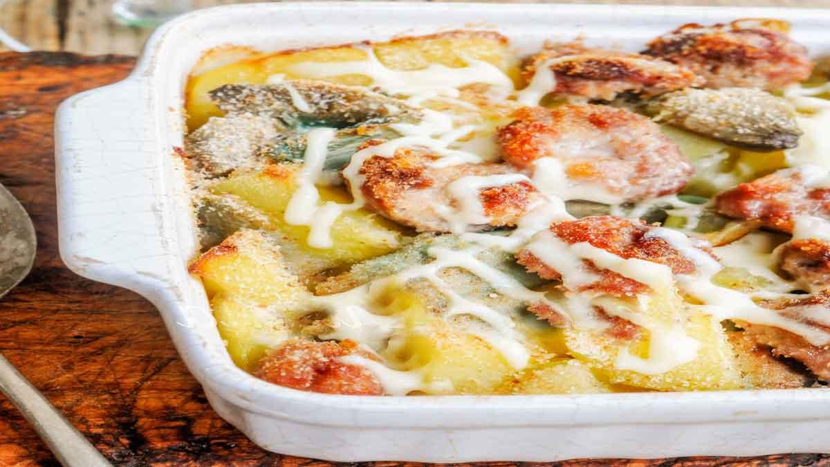 Pommes de terre aux saucisses et artichauts