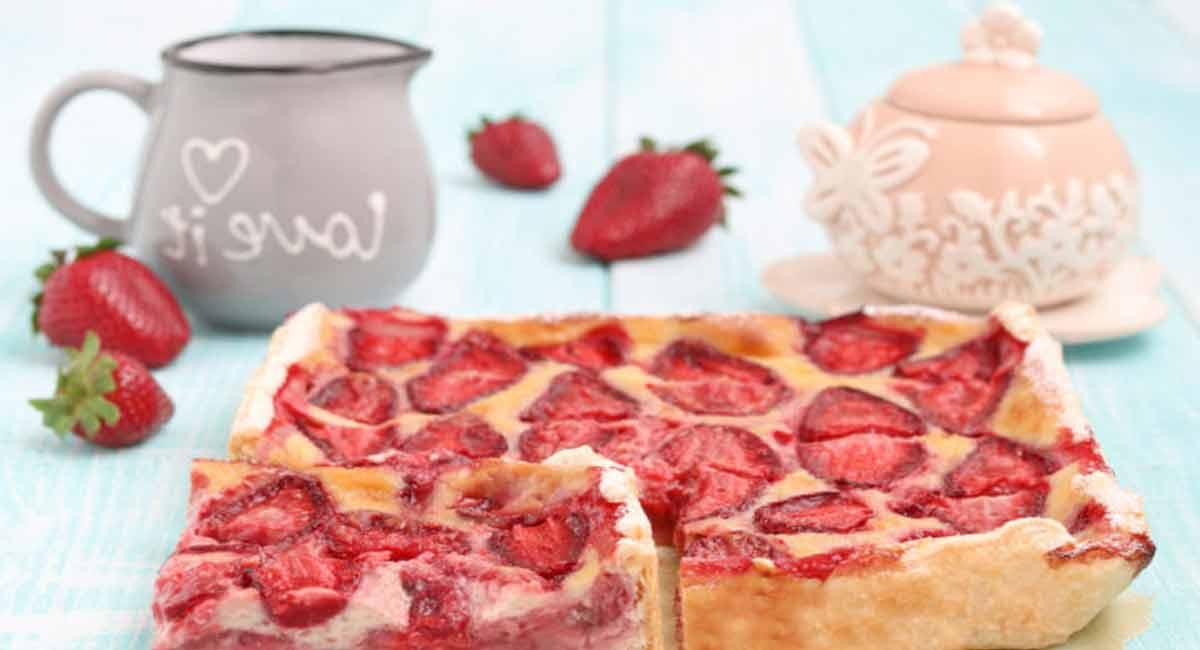 Tarte feuilletée crémeuse à la fraise