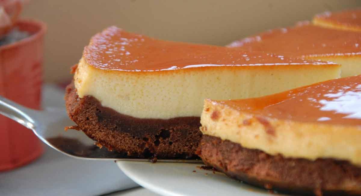 gâteau irréaliste caramel-vanille