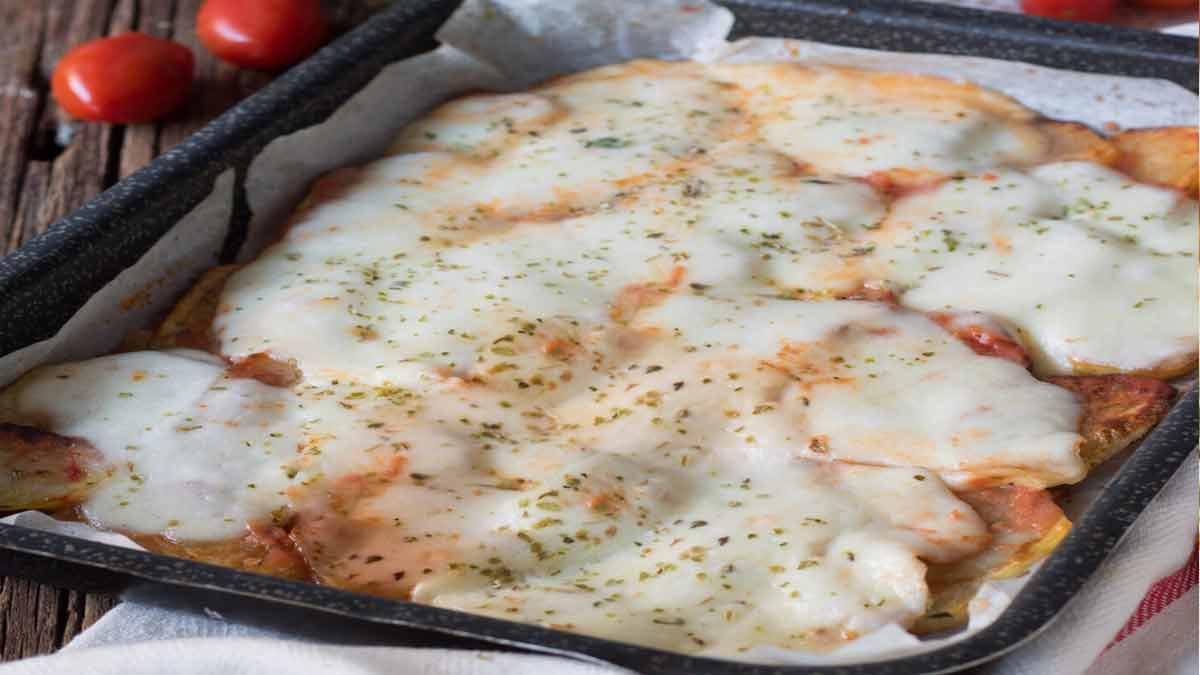 pizza de pommes de terre et mozzarella