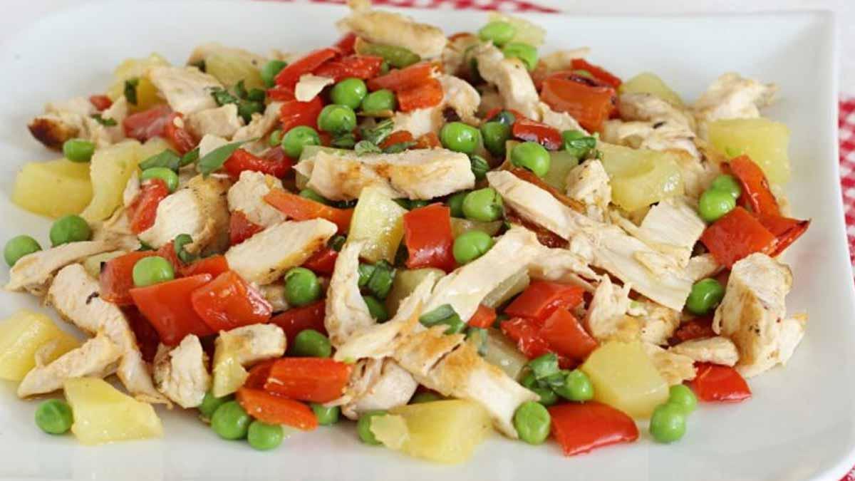 Salade au poulet et poivrons