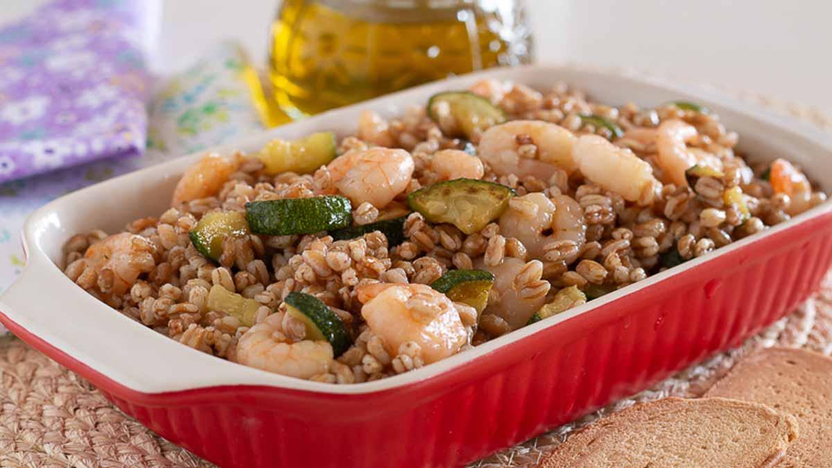 salade d'épeautre aux courgettes et crevettes
