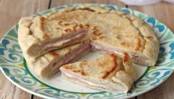 focaccia au jambon et mozzarella