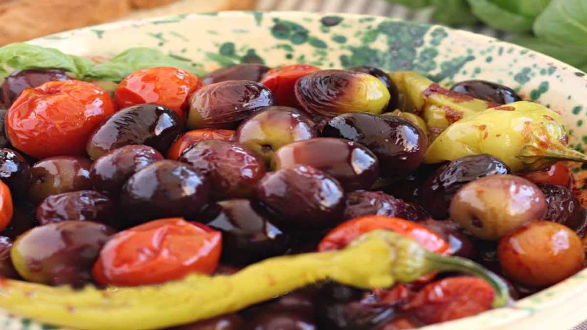 olives frites avec tomates et friggitelles