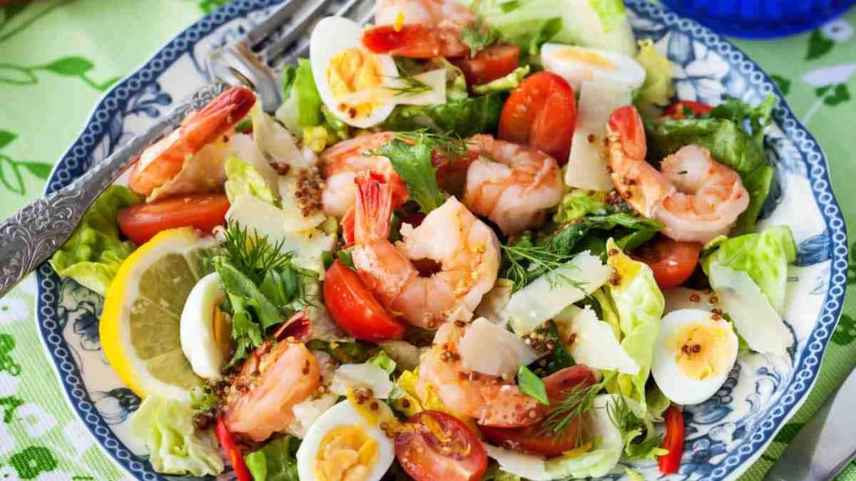 salade de crevettes et aux œufs