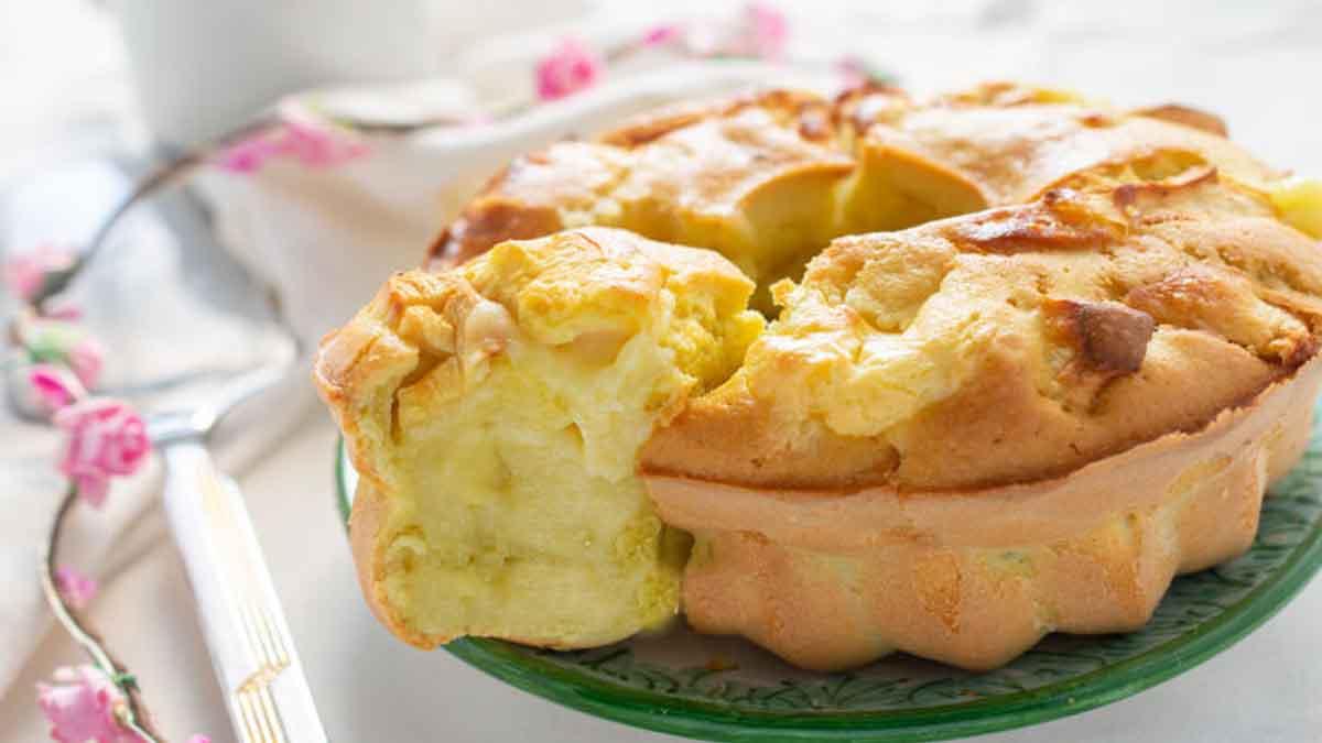 Gâteau à la crème et aux pommes