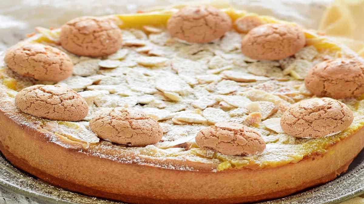 Gâteau à la crème et macarons