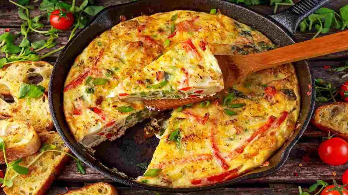 Maxi omelette au bacon-cheddar