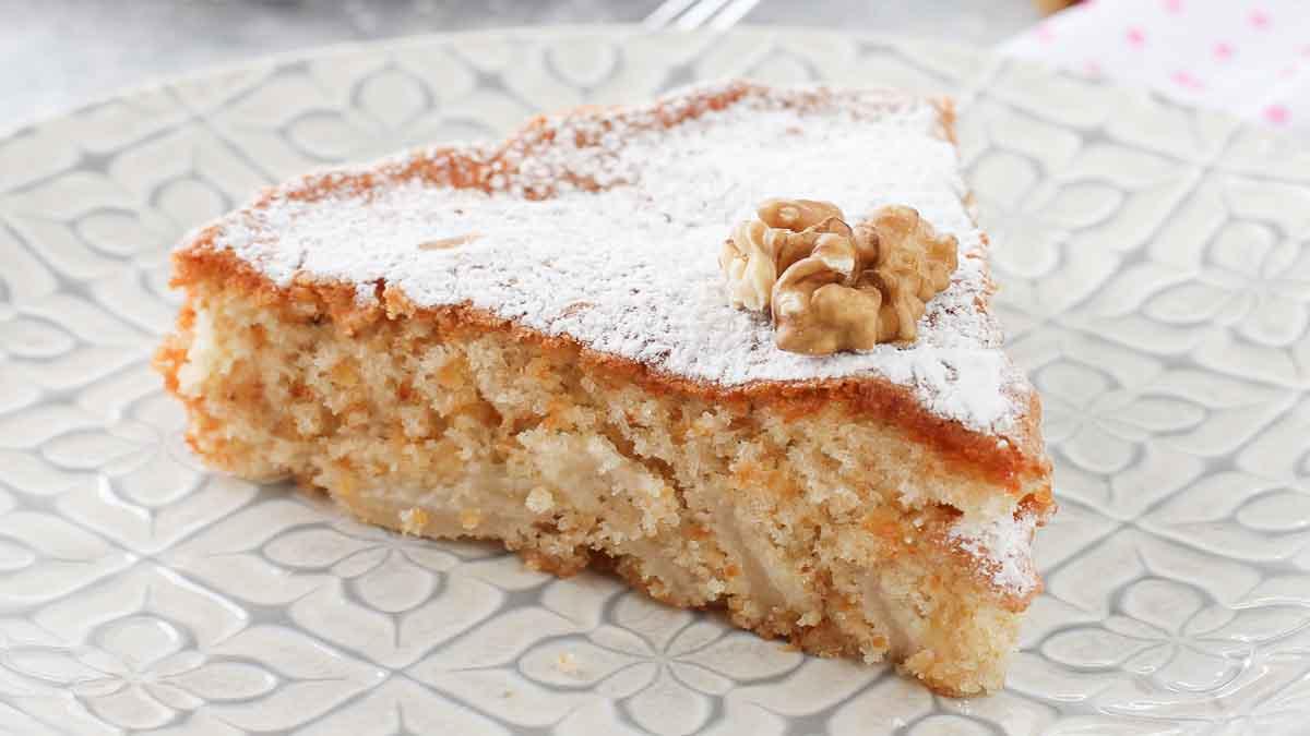 gâteau aux poires-macarons et noix