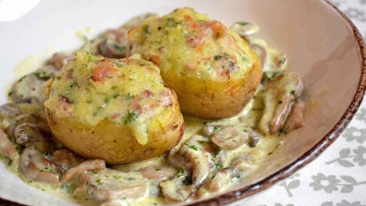 pommes de terre farcies avec les champignons
